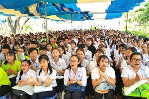 Tư vấn mùa thi cho 1.000 học sinh Bình Thuận