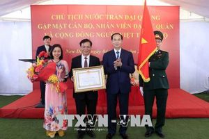 Chủ tịch nước thăm cán bộ, nhân viên Đại sứ quán Việt Nam tại Ấn Độ