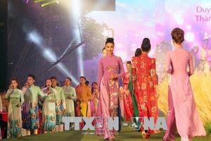 Lễ hội Áo dài Tp. Hồ Chí Minh lần thứ V: Hơn 3.000 người tham gia đồng diễn