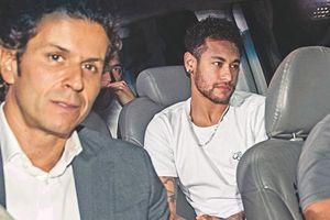 Siêu sao Neymar đã phẫu thuật thành công