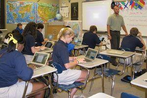 Hiệu trưởng Hoa Kỳ phát triển chương trình giảng dạy như thế nào?