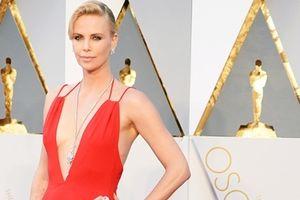 Những bộ váy gợi cảm nhất Oscar mọi thời đại