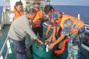 Cảnh sát biển bắt giữ 3 tàu vận chuyển dầu trái phép trên vùng biển Tây Nam