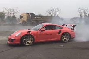 Cường Đô la biểu diễn drift trên Porsche 911 GT3 RS