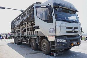 Nghệ An: Va chạm với xe tải, hai anh em ruột tử vong