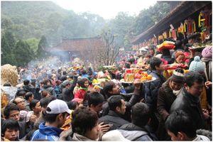 Tái diễn cán bộ đi lễ chùa giờ hành chính phải xử lý nghiêm