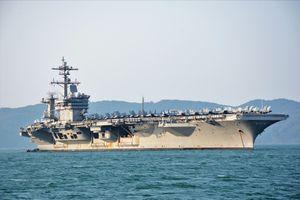 Cận cảnh tàu sân bay Hoa Kỳ thăm Đà Nẵng