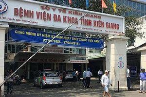 Kiên Giang: Tạm đình công tác bác sĩ đuổi bệnh nhân về nhà