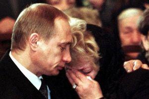 Hé lộ về ngày rơi lệ hiếm hoi của Tổng thống Putin
