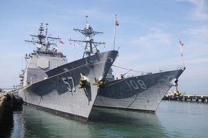 Tận thấy vũ khí trên hai chiến hạm hộ tống tàu sân bay đến Đà Nẵng