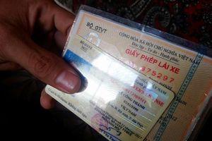 Huế: Đã hoàn trả tiền lệ phí đổi GPLX 'găm' lâu ngày cho người dân