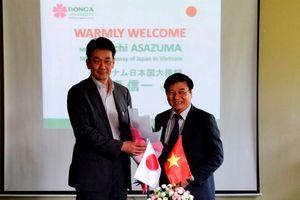 Công sứ Nhật Bản thăm và làm việc tại ĐH Đông Á Đà Nẵng