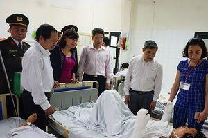 Ban Thường vụ huyện ủy Thanh Trì thăm hỏi động viên gia đình gặp nạn