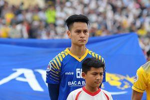 Giữ sạch lưới 3 trận AFC Cup, SLNA mất 3 thủ môn