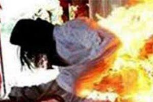 Khởi tố đối tượng đổ xăng đốt vợ bất thành liền cầm dao truy sát
