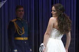 Những 'bóng hồng thép' Nga tỏa sáng trong cuộc thi sắc đẹp