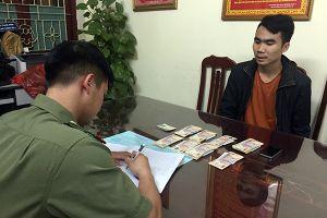 Lạng Sơn: Vượt biên qua 'đường mòn', mua 50 triệu tiền giả về Việt Nam tiêu thụ