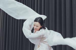 Phụ nữ Việt qua vở múa của biên đạo Hàn Quốc