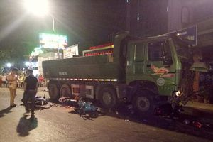 Bắt giam tài xế xe ben tông hàng loạt xe máy ở Sài Gòn khiến 1 người chết