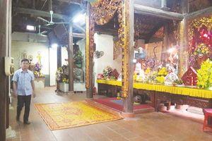 Ở ngôi chùa không có hòm công đức và đốt vàng mã
