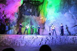 Độc đáo chương trình nghệ thuật biểu diễn trong hang động