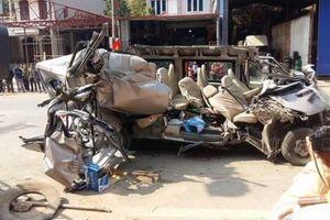 Xe tải đối đầu xe khách 12 chỗ tại Mộc Châu, 4 người thương vong