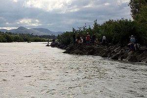 Gia Lai: rủ nhau đi tắm sông, 3 học sinh lớp 9 bị đuối nước mất tích