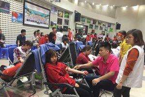 Nườm nượp hiến máu tại Viện Huyết học - Truyền máu Trung ương
