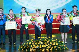 Trao giải 'Olympic Cánh Én' 2018 cho thầy cô Phụ trách Đội giỏi TPHCM