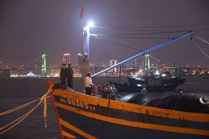 Giải cứu tàu cá chở 11 ngư dân gặp nạn trên biển