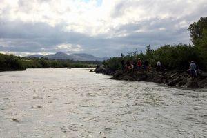 Gia Lai: Xót xa 3 học sinh mất tích khi đi tắm sông