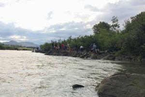 Gia Lai: Tích cực tìm kiếm 3 học sinh mất tích khi đi tắm sông