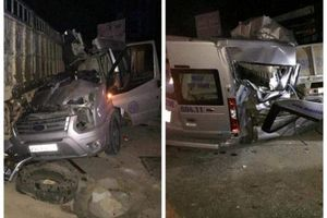 Sơn La: Xe du lịch đâm ô tô tải khiến 4 người thương vong