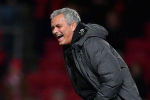 MU đánh bại Liverpool: Hãy gọi Mourinho là HLV hạnh phúc nhất thế gian