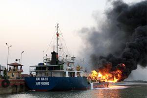 Vụ cháy tàu xăng dầu ở Hải Phòng không ảnh hưởng đến hoạt động XNK