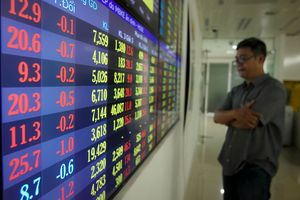 Nghịch lý xuất khẩu tăng, giá cổ phiếu giảm