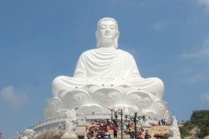 Hàng nghìn người chiêm ngưỡng tượng phật ngồi cao nhất Đông Nam Á