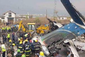 Cập nhật vụ máy bay rơi ở Nepal: Ít nhất 49 người thiệt mạng