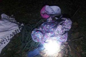 Vụ bé gái 11 tuổi mất tích khi đi chăn trâu: Tìm thấy quần áo ở bãi cát