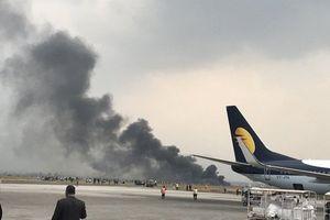 Máy bay bốc cháy khi hạ cánh tại Nepal: Ít nhất 40 người chết