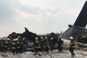 Máy bay Bangladesh chở 71 người rơi ở Nepal