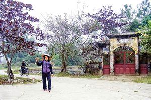 Hoang tàn làng cổ Đông Sơn