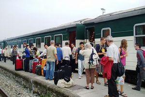 Nhân viên đường sắt trả lại hơn 30 triệu đồng cho hành khách bỏ quên