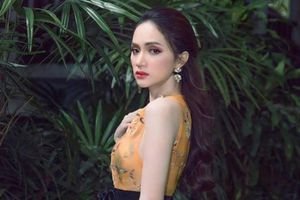 Sao Việt 24h: Hoa hậu Hương Giang khoe dáng xinh đẹp như nàng công chúa