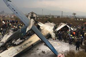 Máy bay chở gần 70 người gặp nạn tại sân bay quốc tế Nepal