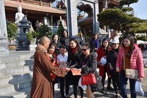 Lào Cai: Nô nức Hội xuân mở cổng trời Fansipan