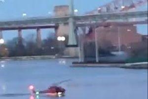 Trực thăng rơi ở trung tâm New York làm 5 người chết