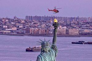 Hình ảnh hiện trường vụ rơi trực thăng giữa New York (Mỹ)