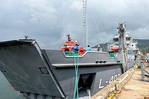 Tàu đổ bộ Việt Nam có thể chở xe thiết giáp, xe bọc thép hạng nặng