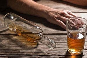 3 người chết, 1 người nguy kịch nghi do uống rượu thuốc ngâm cây rừng